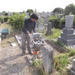 豊橋市営飯村墓地にて解体作業と基礎工事です。