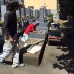 豊川市のお寺様の墓地で墓石工事です。