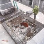 豊川市 お寺様の墓地でお墓の解体工事です。
