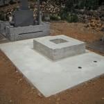浜松市 お寺様の墓地でお墓の工事です。