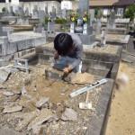 豊橋市 地域墓地にて墓石の傾き直しと補強工事です。