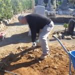 浜松市三ヶ日町 地域墓地にてお墓の解体・整地作業です。
