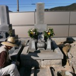 豊橋市 地域墓地にてお墓の傾き直しです。