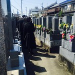 豊川市 お寺様の墓地にて納骨式のお手伝いです。