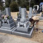 豊橋市 お寺様の墓地にて墓石建立工事です。