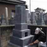 豊川市のお寺様の墓地にて墓石工事です。