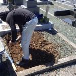 豊橋市 お寺様の墓地にて基礎工事です。