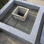 豊橋市 お寺様の墓地にてお墓の巻石工事です。 地震に強いお墓づくり 基礎工事と耐震補強が重要です。
