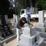 豊橋市 お寺様の墓地にて墓石工事 耐震補強も行い、地震に強いお墓づくりに努めます。