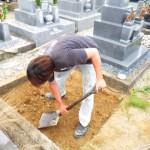 豊橋市 地域墓地にてお墓の基礎工事です。強度や水捌け具合などを考慮した安心の墓石工事です。