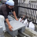 豊橋市 お寺様の墓地にて墓石工事です。ご先祖様への思いを大切にしたお墓づくり。伝統的な墓石の建立もお任せください。