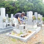 豊橋市 お寺様の墓地にてお墓の建て替え工事です。和型墓石からオリジナル墓石へ!お墓の完成まで、お骨の管理もお任せください。石寅が責任を持ってお骨をお預かりいたします。