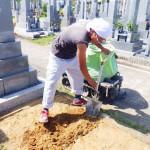 豊橋市営飯村墓地 お墓の基礎工事 墓石をしっかり支える安心の基礎コンクリート 墓地の地盤や墓石の形状に適したご提案を致します。