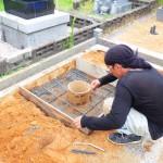豊橋市営向山霊苑 お墓の建て替えのための基礎工事 既存の墓石の解体・整理も丁寧に取り組ませて頂きます。