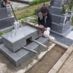 豊橋市 お寺様の墓地にてお墓の工事です。地震に強い洋型墓石 お施主様にご納得頂けるまで、何度でも打ち合わせを致します。
