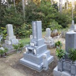 豊橋市 お寺様の墓地にてお墓の工事 非吸水率・圧縮強度・非退色性に優れた日本産御影石 経年劣化に強い墓石づくりもお任せください!