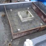 豊橋市の地域墓地にてお墓の外柵工事です。頑丈な基礎工事も耐震補強も追加料金なしで行います。