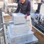 豊川市の地域墓地にてお墓の工事をさせて頂きました。複数の耐震補強法をお施主様がご納得頂くまでご説明いたします。