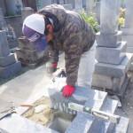 豊川市のお寺様の墓地にてお墓の工事です。日本の石を使用した墓石づくりも、お施主様のご要望にお応え致します。