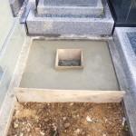 豊橋市営梅田川霊苑にてお墓の基礎工事です。墓石を支える基礎コンクリートづくりも一生懸命取り組みます。
