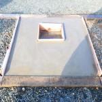 豊橋市のお寺様の墓地にてお墓の基礎工事です。お客様にご満足頂ける墓石の基礎コンクリートづくりに励みます。