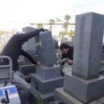 豊橋市のお寺様の墓地にてお墓の工事です。納骨のお手伝いや建立後のメンテナンスまで精一杯努めさせて頂きます。